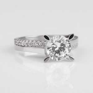New silver solitaire ring