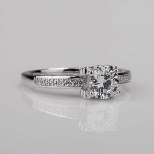 New solitaire ring