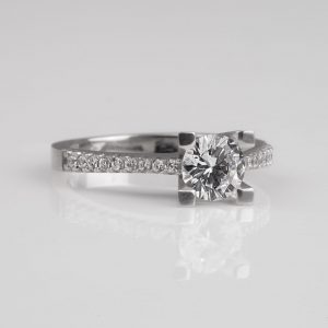 Silver solitaire ring