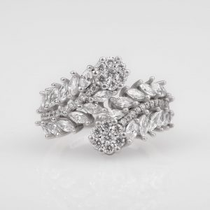 Silver ring for ladies